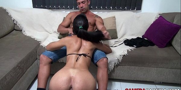 Morena safada fazendo a maior putaria com seu namorado