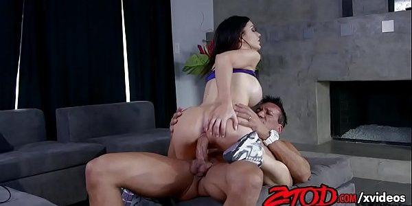 Porno ninfeta gostosa fudendo pra caralho