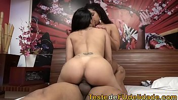 Xvideos pornô fodendo duas putinhas gostosas